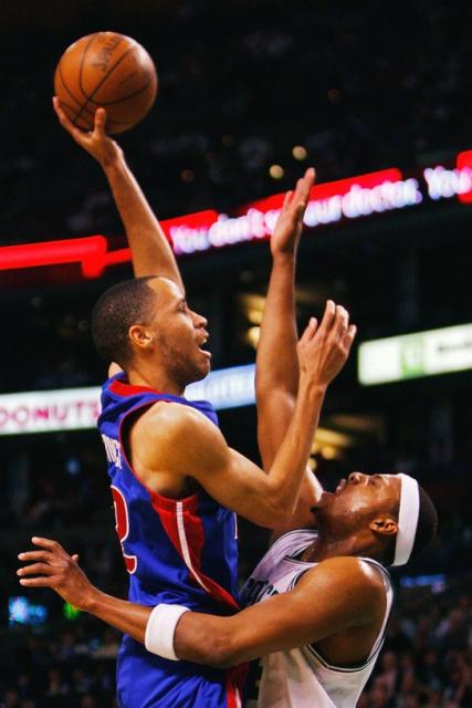 Prince elevates over Pierce.jpg