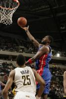 Antonio McDyess lays the ball up inside against Indiana.jpg